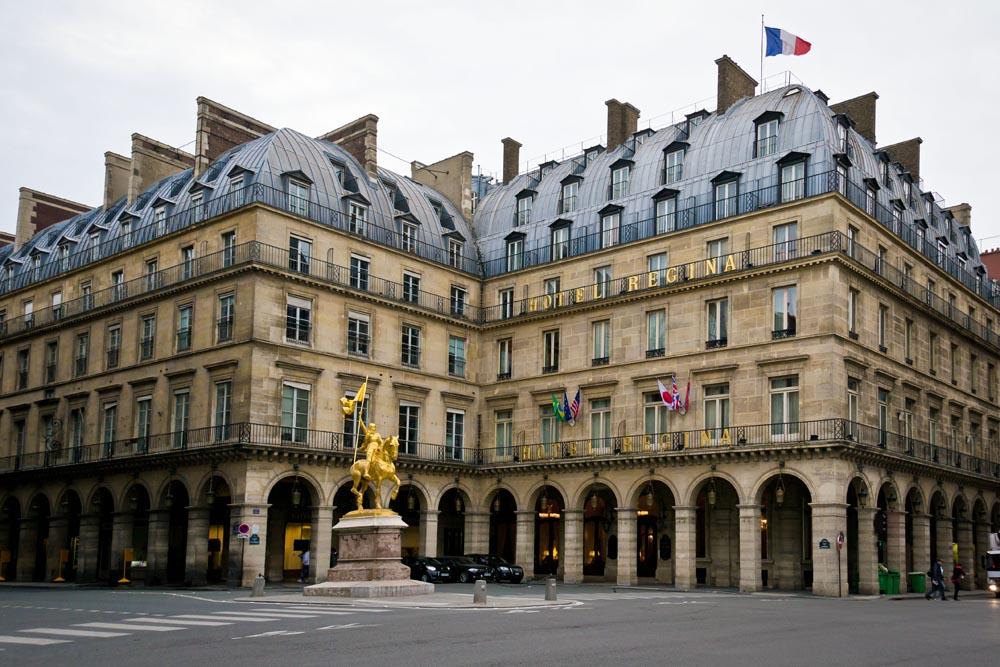 365_365_Raphael_hotel_Paris_Room_1
