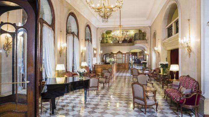 Hotel_Regina_Louvre_LVX-Paris-Hotelhalle-36344